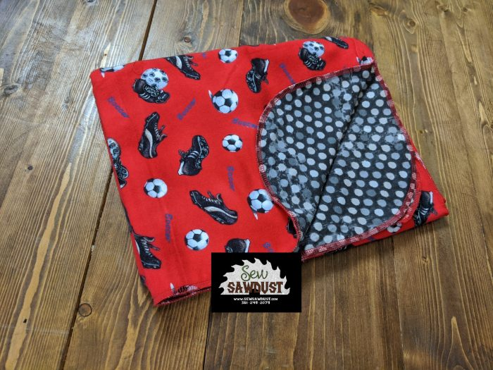 Sew Sawdust makes a flannel baby blanket